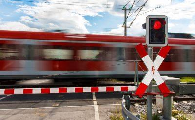 zabezpieczenie przejazdu kolejowego